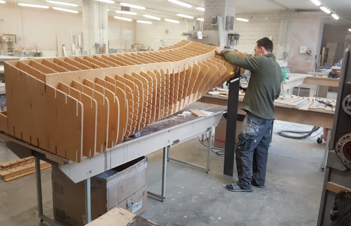 Sudėtingas ir kruopštus Gforma meistrų gamybos procesas